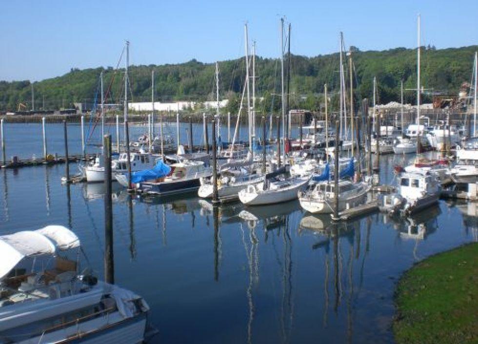 Marina with recreational boats. Image credit: NOAA.
