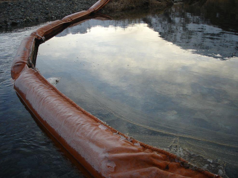 Oil in pollution boom.