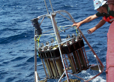 Retrieving Sample Cylinders into Gulf - Multicorer sampling operation aboard the