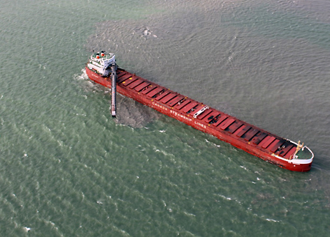 The coal ship CSL Niagara got stuck in Lake Erie's soft, muddy bottom.