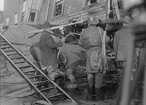 Boston firemen stood in thick molasses after a vat exploded in 1919.