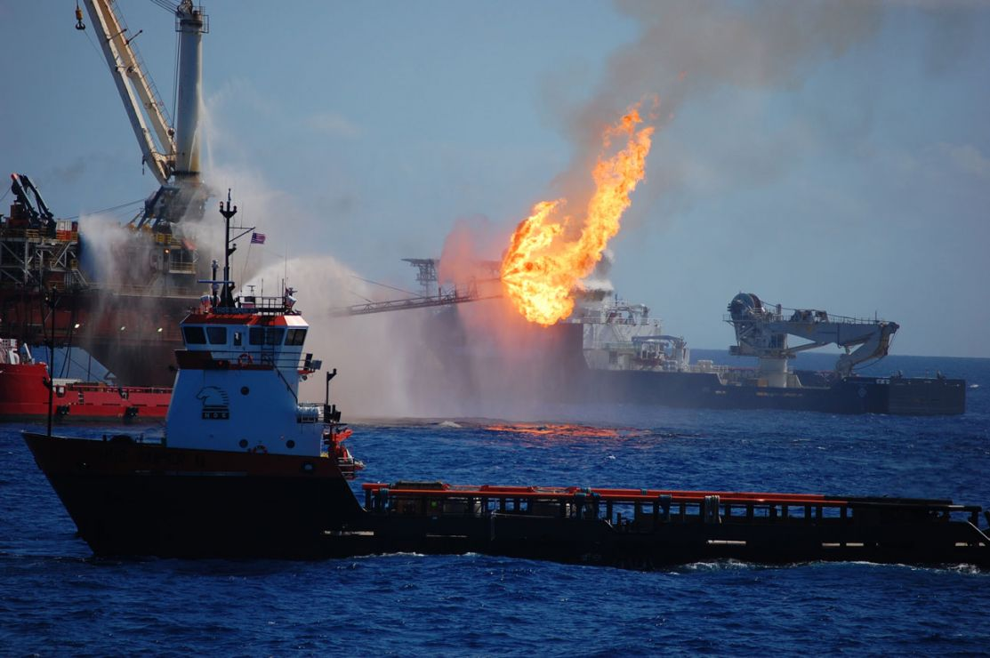 Deepwater Horizon platform in flames.